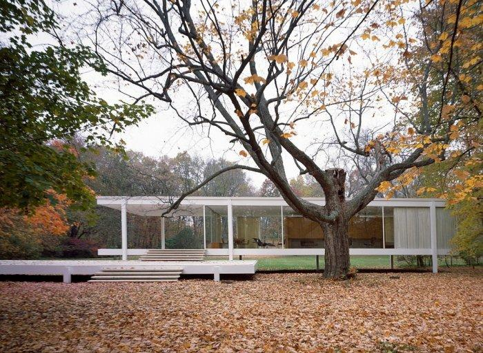 """Mies van der Rohe - Edith Farnsworth House - Concept of Earth Living in """"Oblivion"""""""