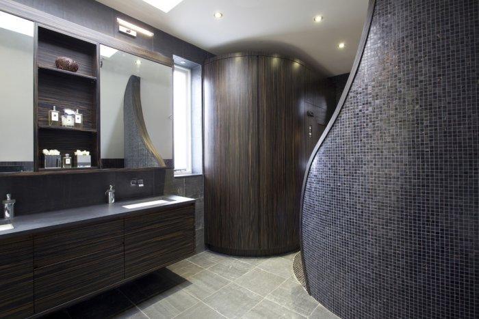 """Futuristic minimalist bathroom design - Concept of Earth Living in """"Oblivion"""""""