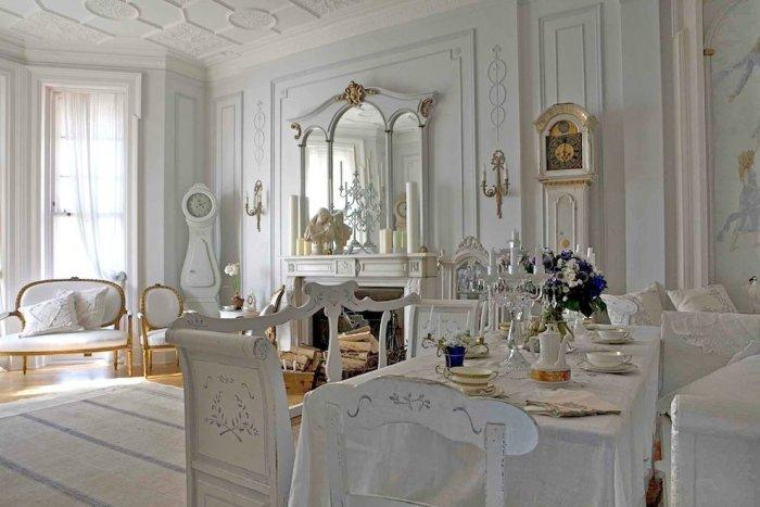 Gustavian white living room design - Ideas and Examples