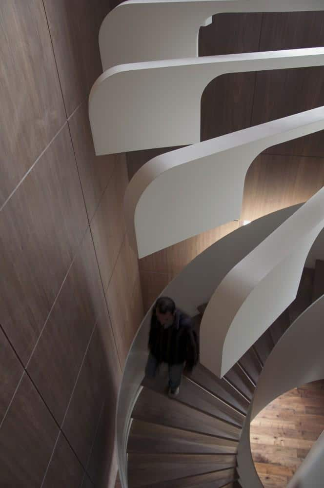Stylish and Modern spiral staircase by .PSLA