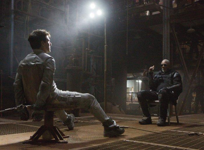 """Oblivion movie scene with Tom Cruise and Morgan Freeman - Concept of Earth Living in """"Oblivion"""""""