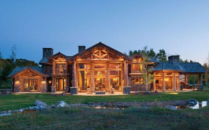 The Rustic Interior Design of a Mountain Log Cabin in Alabama
