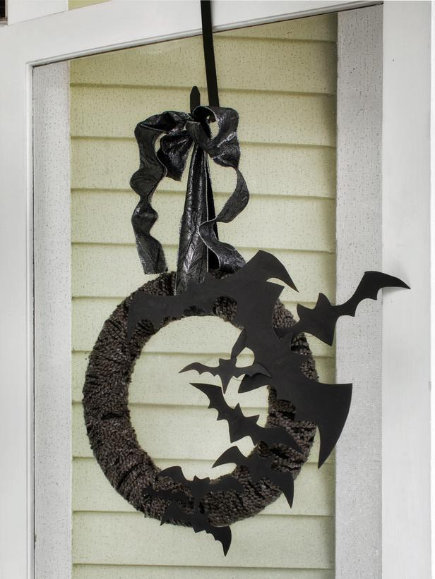 Bats on a Halloween wreath - arrached to a hanging hook