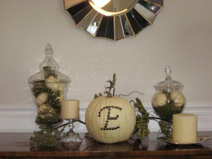 Halloween pumpkin decoration with nail heads - 36 Ideas for Your Home