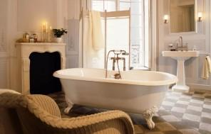 Exclusive Bathroom Decorating Ideas using Tiles