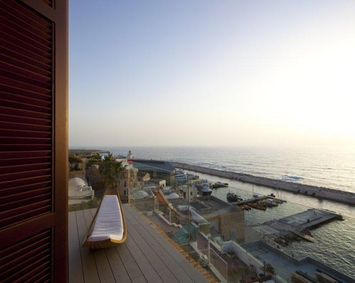 Beautiful terrace with amazing views over the Mediterranean Sea. - Spectacular Ancient Seaside Penthouse in Tel Aviv