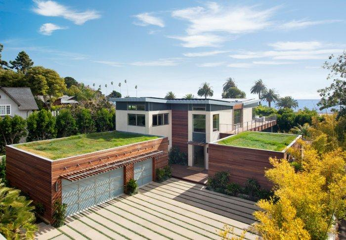 Contemporary house with sustainable architecture - High-End Ecofriendly Luxury House in Montecito, California