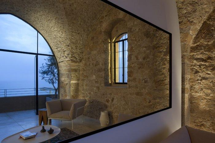 Contemporary penthouse design with a touch of an architect - Spectacular Ancient Seaside Penthouse in Tel Aviv