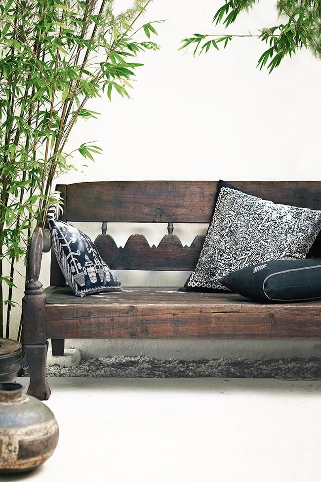 Decorative cushions on patio sofa - 8 Interesting Decoration Ideas