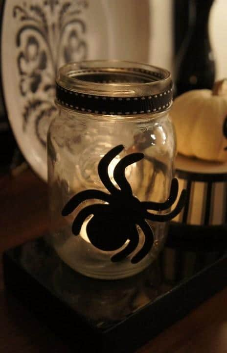 Decorative spider on a jar - 36 Ideas for Your Home