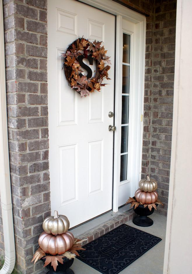 Fall leaves door wreath and silver painted pumpkins - 36 Ideas for Your Home