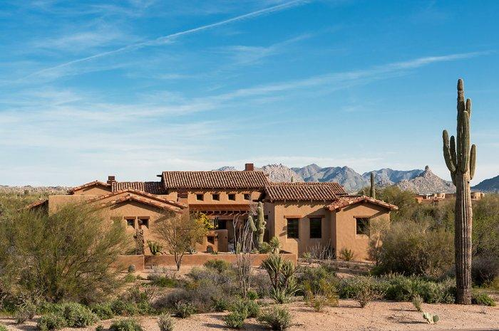 Luxury Rustic Family Desert House in Arizona