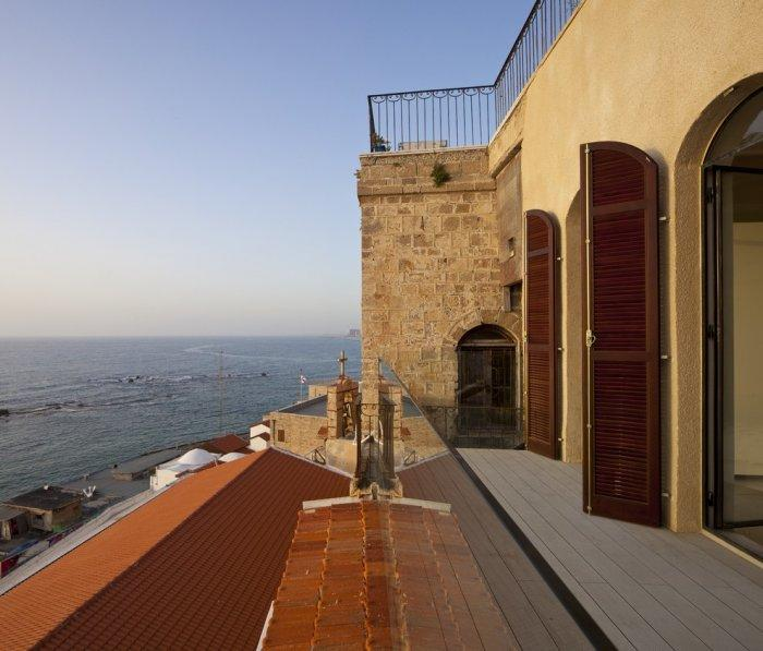 Gorgeous views over the Medditerranean villa. - Spectacular Ancient Seaside Penthouse in Tel Aviv