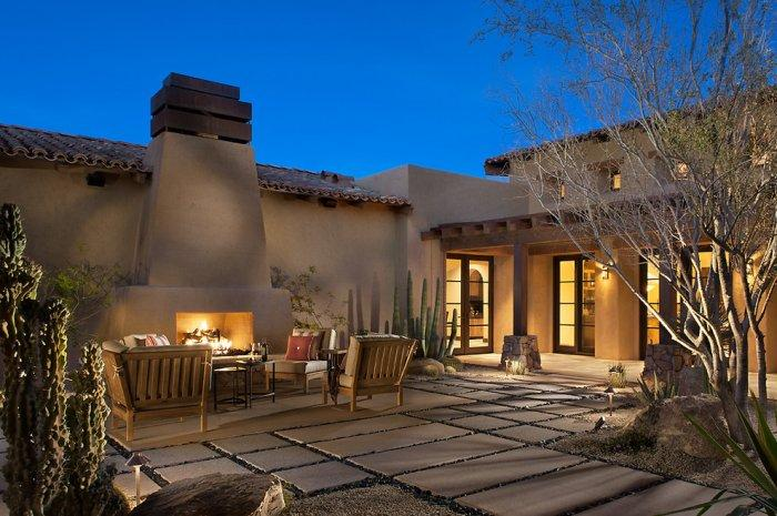 Luxury courtyard by night - Rustic Family Desert House in Arizona