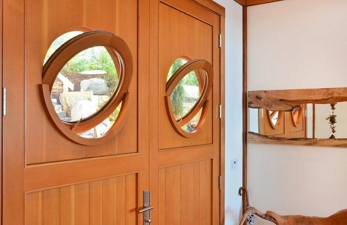 The portholes in the main entrance door - The Dream Coastal House With Heavenly Ocean Views