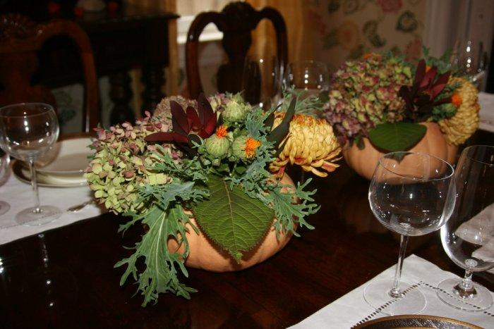 Pumpkin table vases full of autumn flowers - 36 Ideas for Your Home