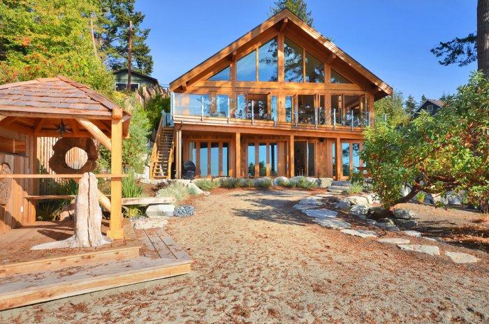 Stone path crossing the front yard - The Dream Coastal House With Heavenly Ocean Views