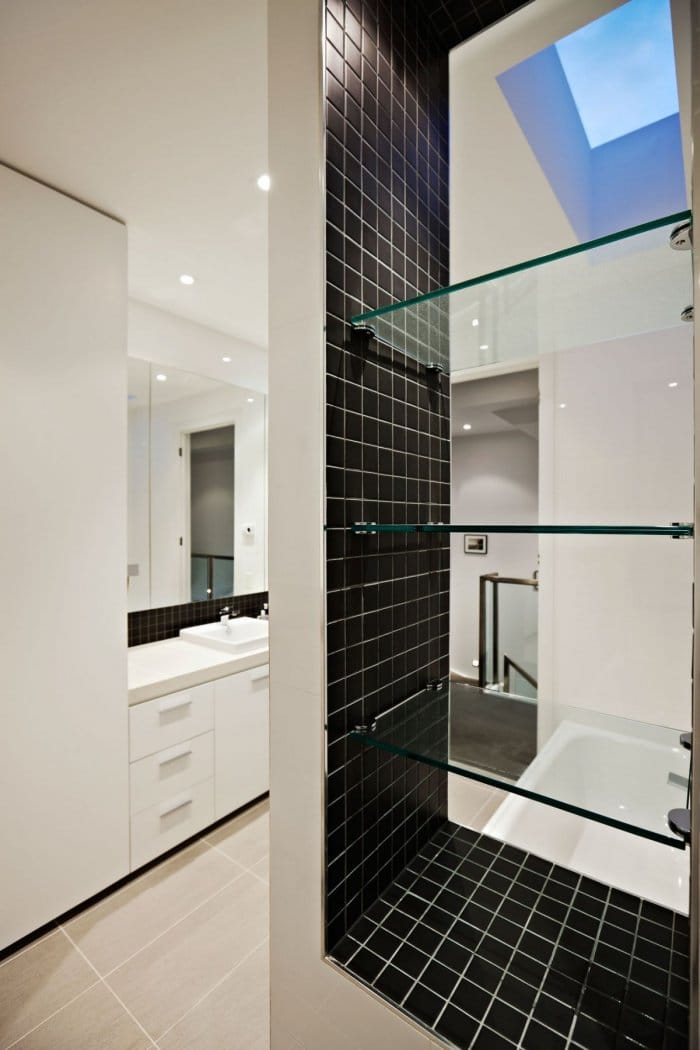 Stylish black and white bathroom design - Outstanding House in Melbourne