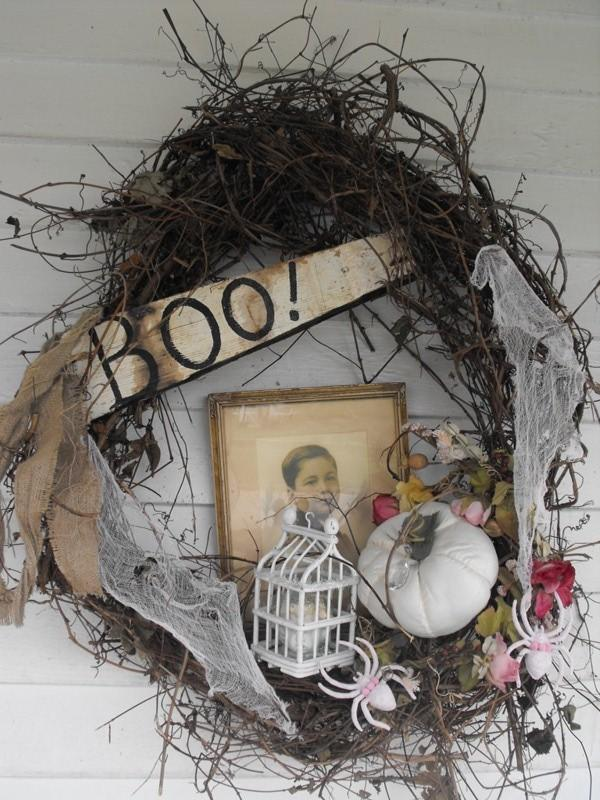 Vintage Halloween composition of an old photo and dried flowers - 36 Ideas for Your Home