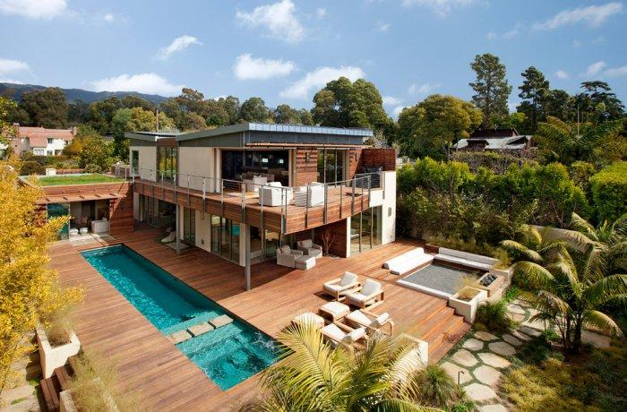 Wooden deck with solar heated swimming pool - High-End Ecofriendly Luxury House in Montecito, California