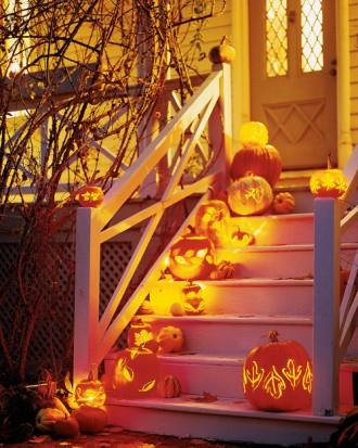 A Stairway of Pumpkin Lanterns - How to Decorate your Outdoor Areas for Halloween