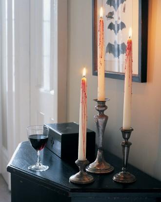 Creepy Candles - 34 Ideas for Halloween Table Decorations - How To