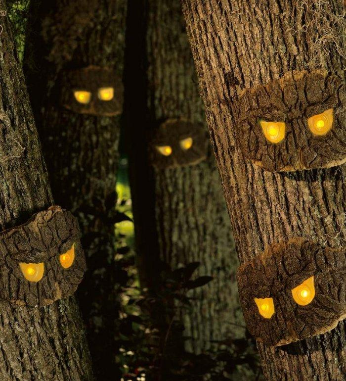 Decorative Halloween Scary Tree Eyes - 25 Sweet and Ghoulish Ideas and Items