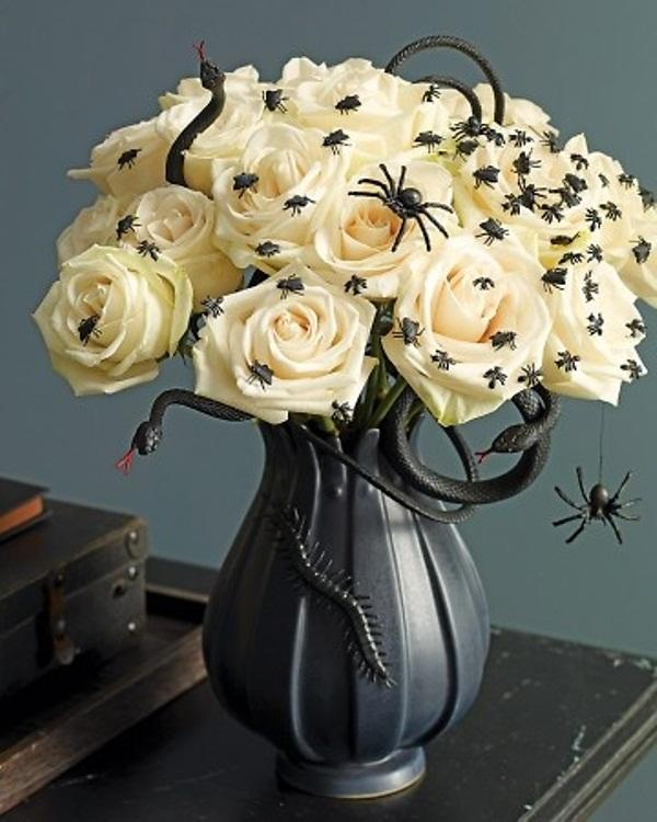 deranged halloween centerpiece - Halloween Table Centerpieces