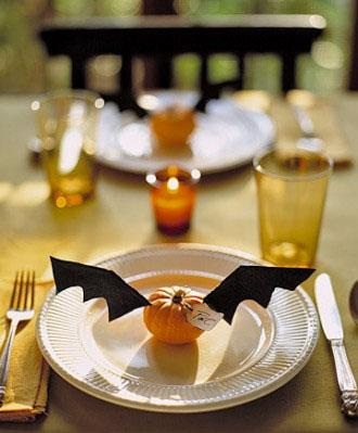 Flying Place Cards - 34 Ideas for Halloween Table Decorations - How To