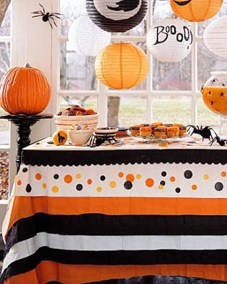 Halloween Tablecloth - 34 Ideas for Table Decorations - How To