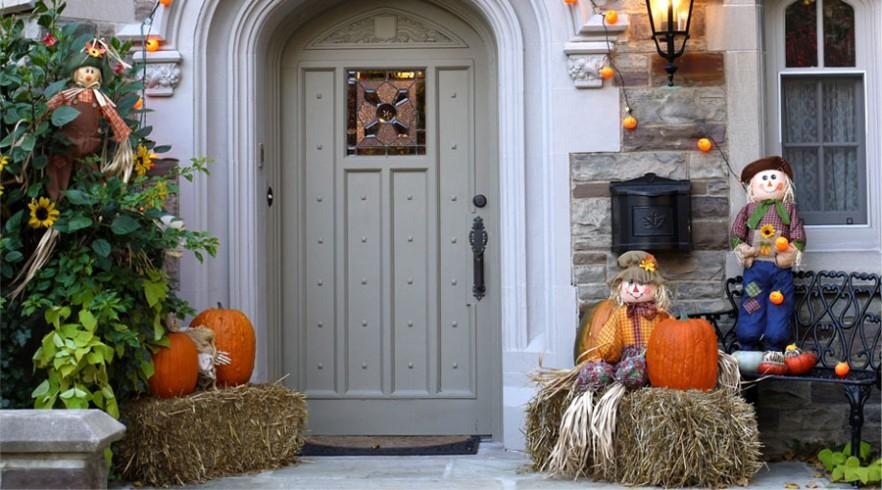 How to Decorate your Outdoor Areas for Halloween