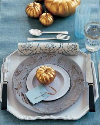 Mini Spray-Painted Gold Table Pumpkins - 34 Ideas for Halloween Table Decorations - How To