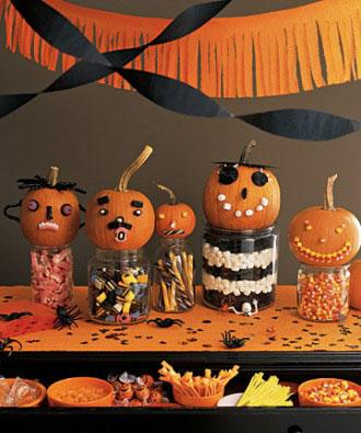 Pumpkin Candy Faces - 34 Ideas for Halloween Table Decorations - How To