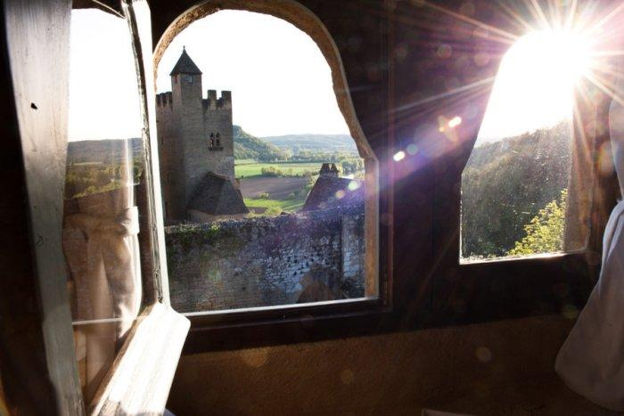 A breath-taking view over a French valley - La Maisonnette - A Romantic French Cottage