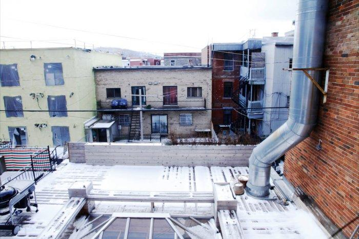 A view from the rooftop terrace - Living in a Romantic Apartment in Montreal