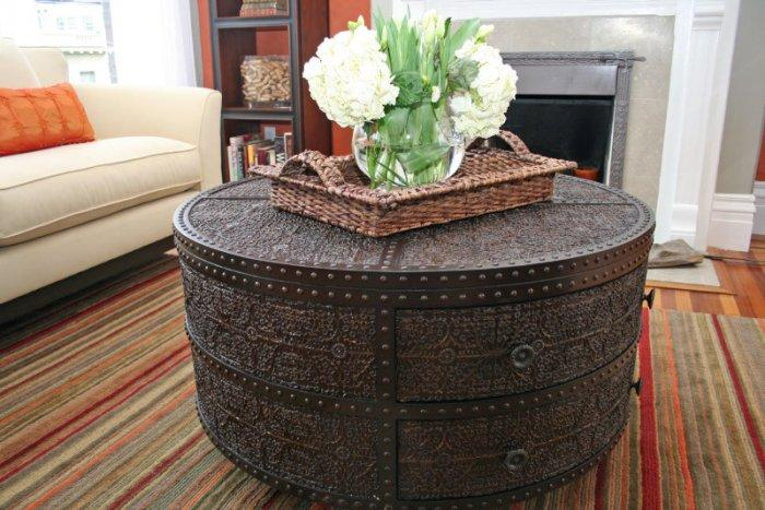 Antique coffee table - inspiring furniture ideas for our homes