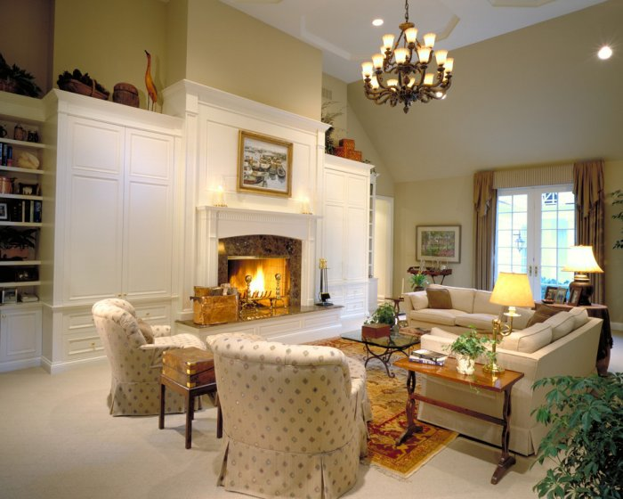 Classic living room interior design in white colors - Furniture Tips and Ideas