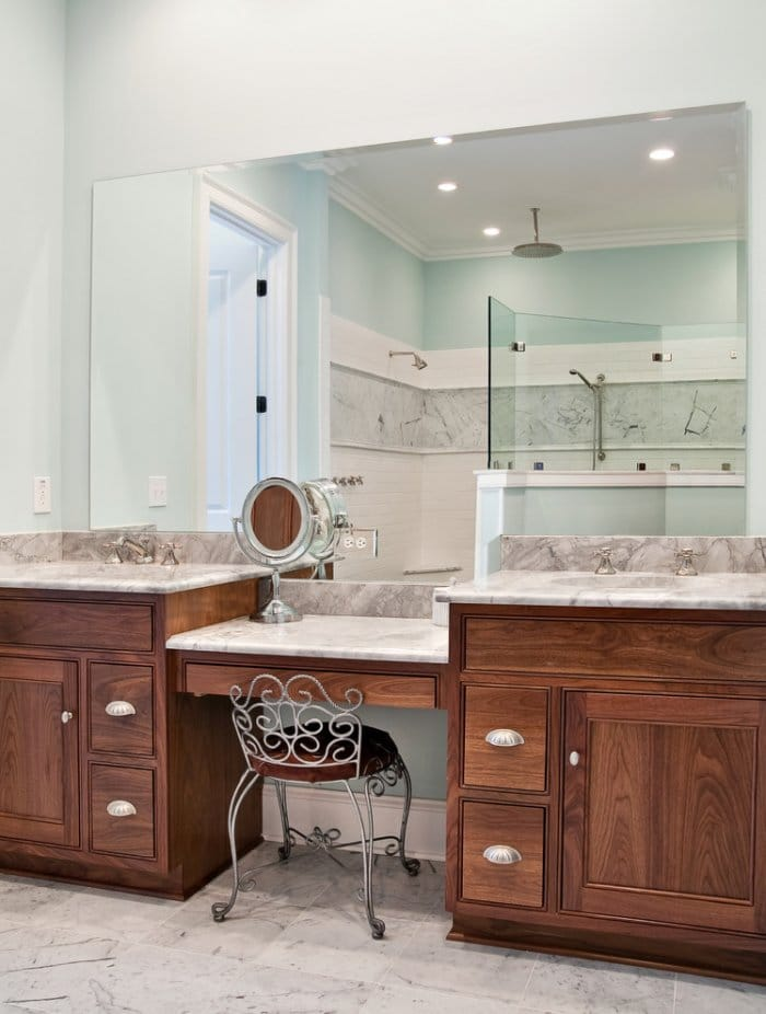 Classic style vanity - Bathroom Remodeling Ideas