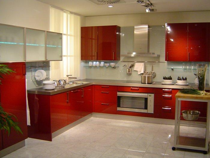 Kitchen design in trendy red colors - Latest Autumn/Winter 2013 Trends