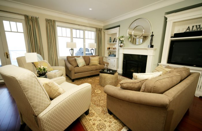 Mirrors used for enlarging the volume of the room - Classic Living Room Furniture Tips and Ideas