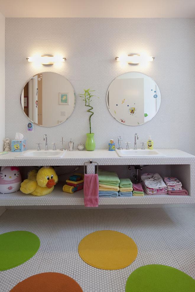 Playful kid's bathroom - 8 Residential Interior Design Inspiring Examples