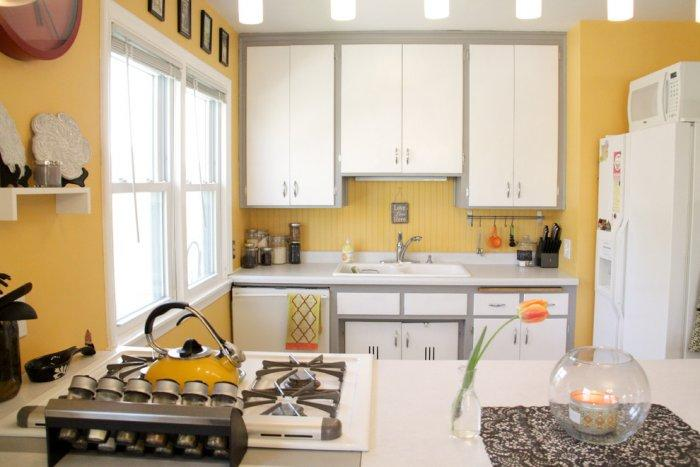 Sweet and simple kitchen in mellow yellow tones - The Best Homes for 2013