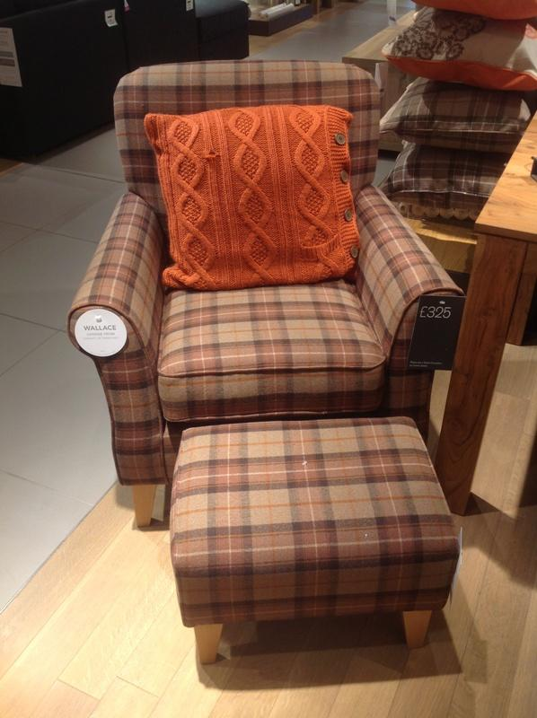 Tartan chair in chequered upholstery - Trends in Colors for Autumn/Winter 2013