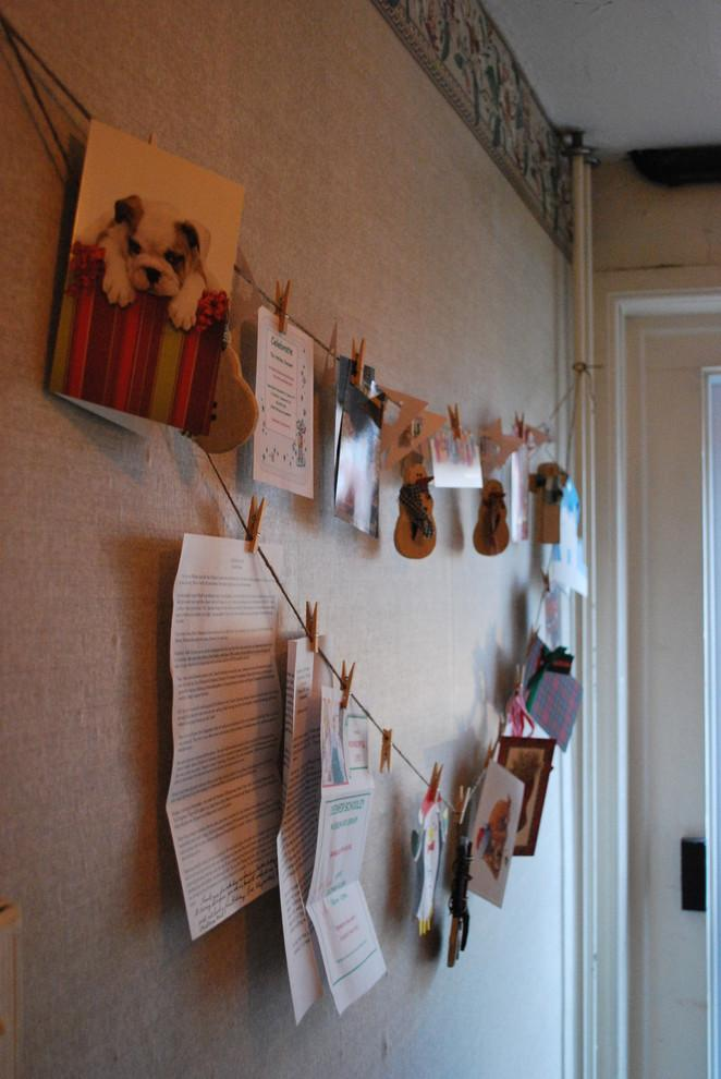 Cards and letters hanged on a wire - 10 Simple and Elegant Christmas Decorating Ideas