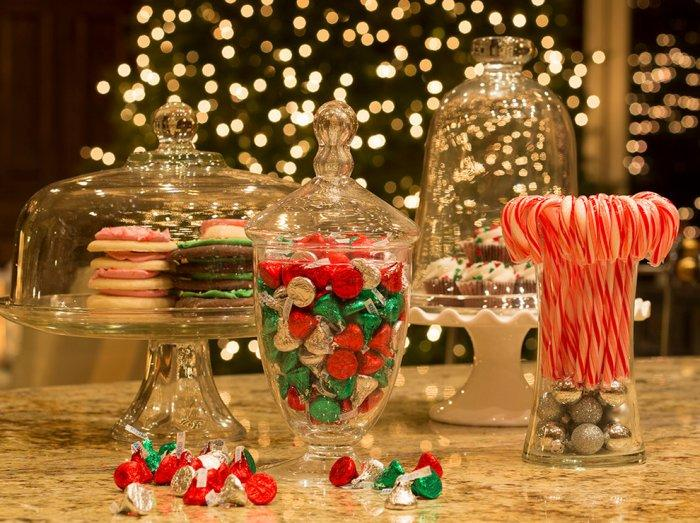 christmas decorations with sweets in glass containers simple and elegant budget decorating ideas