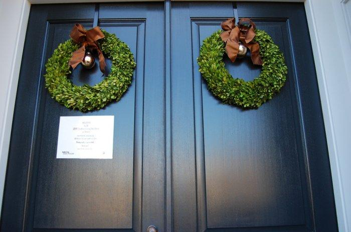 Green door wreaths with silver balls - 10 Simple and Elegant Christmas Decorating Ideas