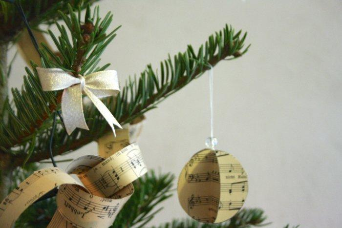 Christmas tree with - Lovely Hand-crafted Christmas Decorations