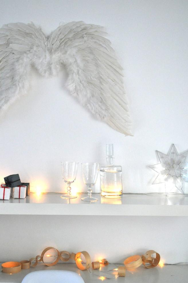 Christmas twinkle lights and angle wings - 17 Scandinavian Examples of  Home Decorations