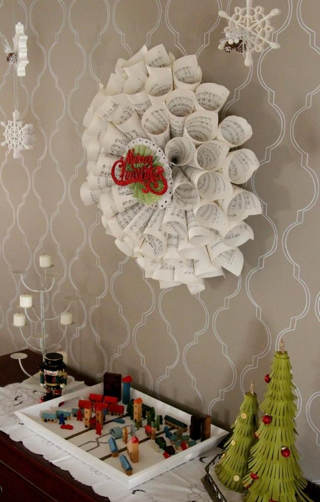 Merry and bright Christmas mantle-1-30 Easy and Simple DIY Christmas Decoration Ide
