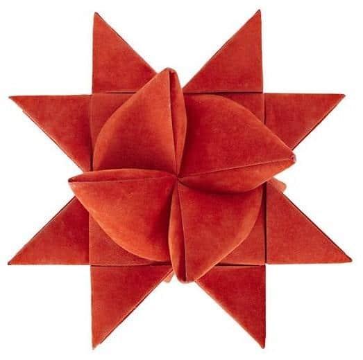 Red Supernova - Christmas tree decorating ideas